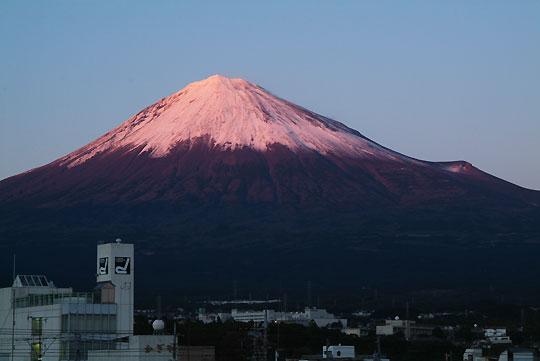 羽衣跨線橋より 紅富士