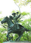 流鏑馬の像-1